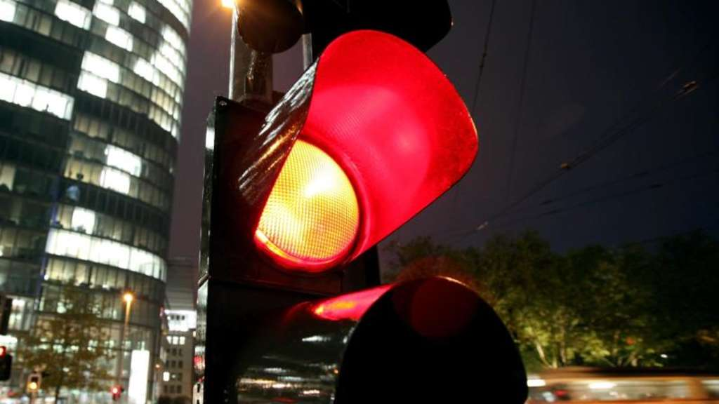 Über Rote Ampel Gefahren Ohne Blitz