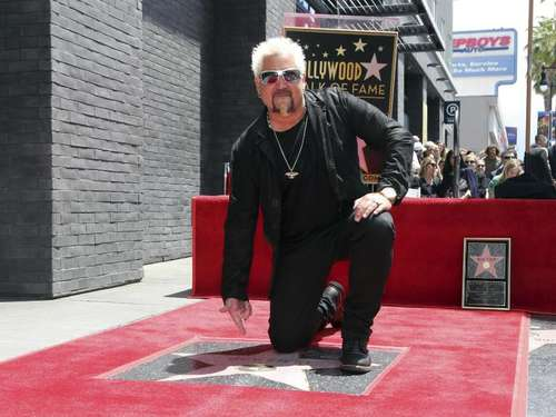 Starkoch Guy Fieri enthüllt Hollywood-Stern