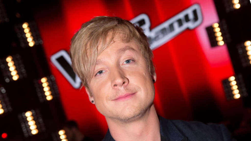 "Samu Haber posiert in der ersten ""The Voice of Germany"" Liveshow."